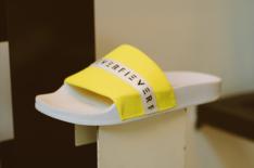 Slide Kiva Lime e Branco