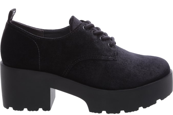 Sapato Tratorado Veludo Preto Sola Alta